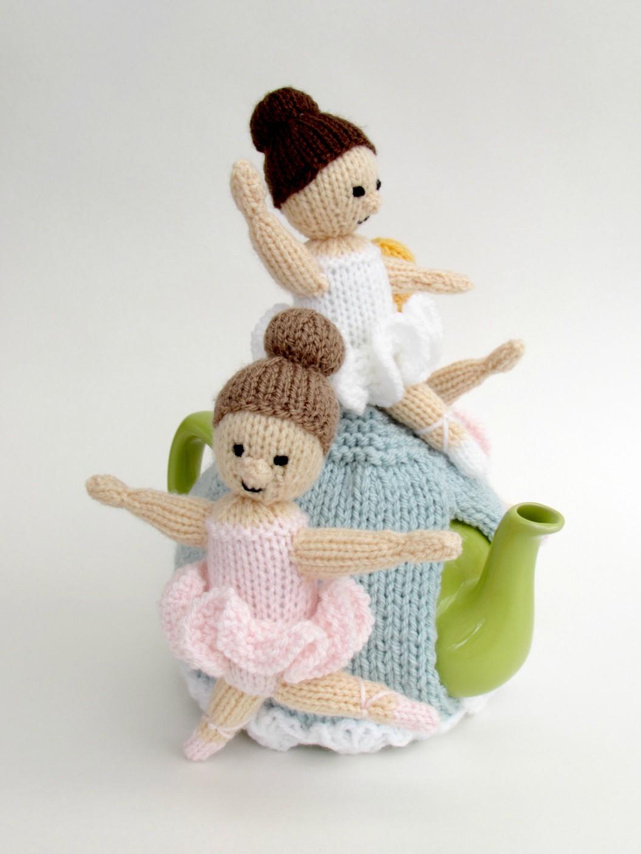 Ballerina tea cosy knitting pattern