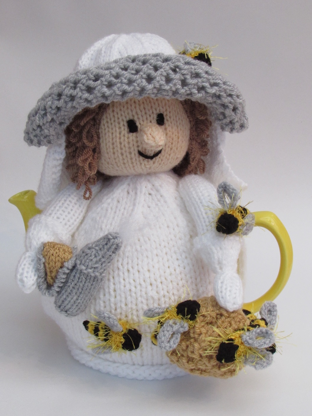 Tea cosy knitting patterns from tea cosy folk learn how to knit our beekeeper tea cosy dt1010fo