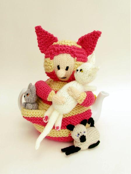 Cat Lady Knitting : Cat lady tea cosy knitting pattern