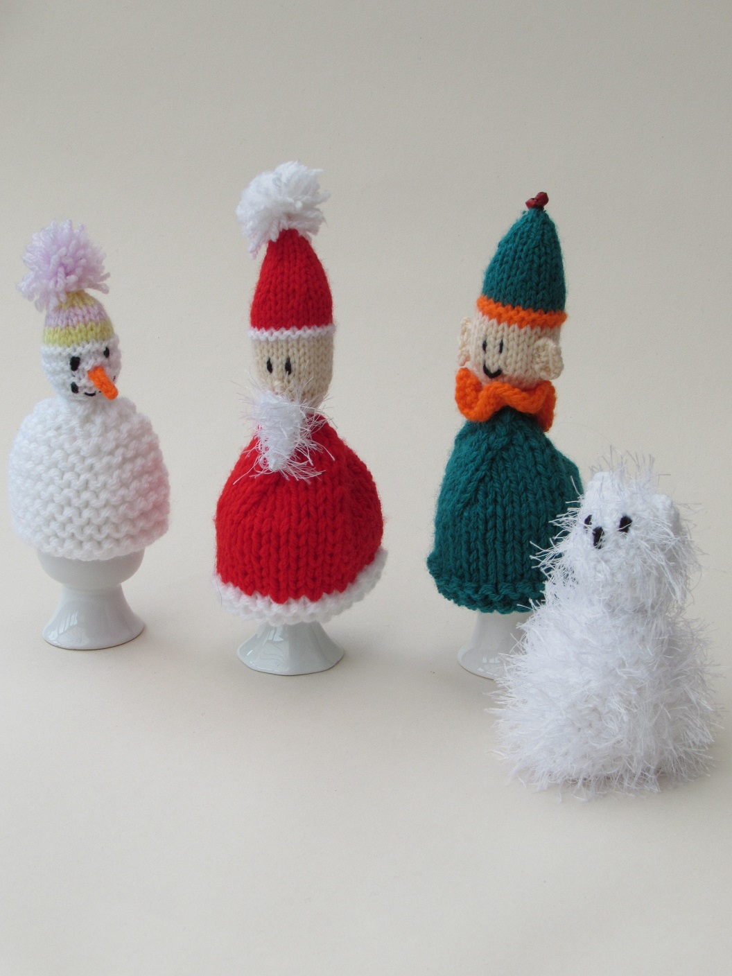 Christmas Egg Cosies knitting pattern