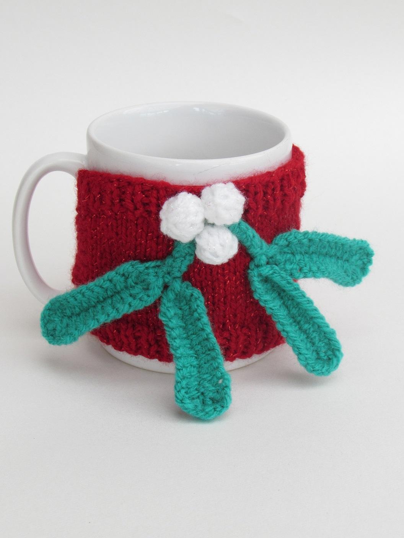 Mistletoe Mug Cosy knitting pattern
