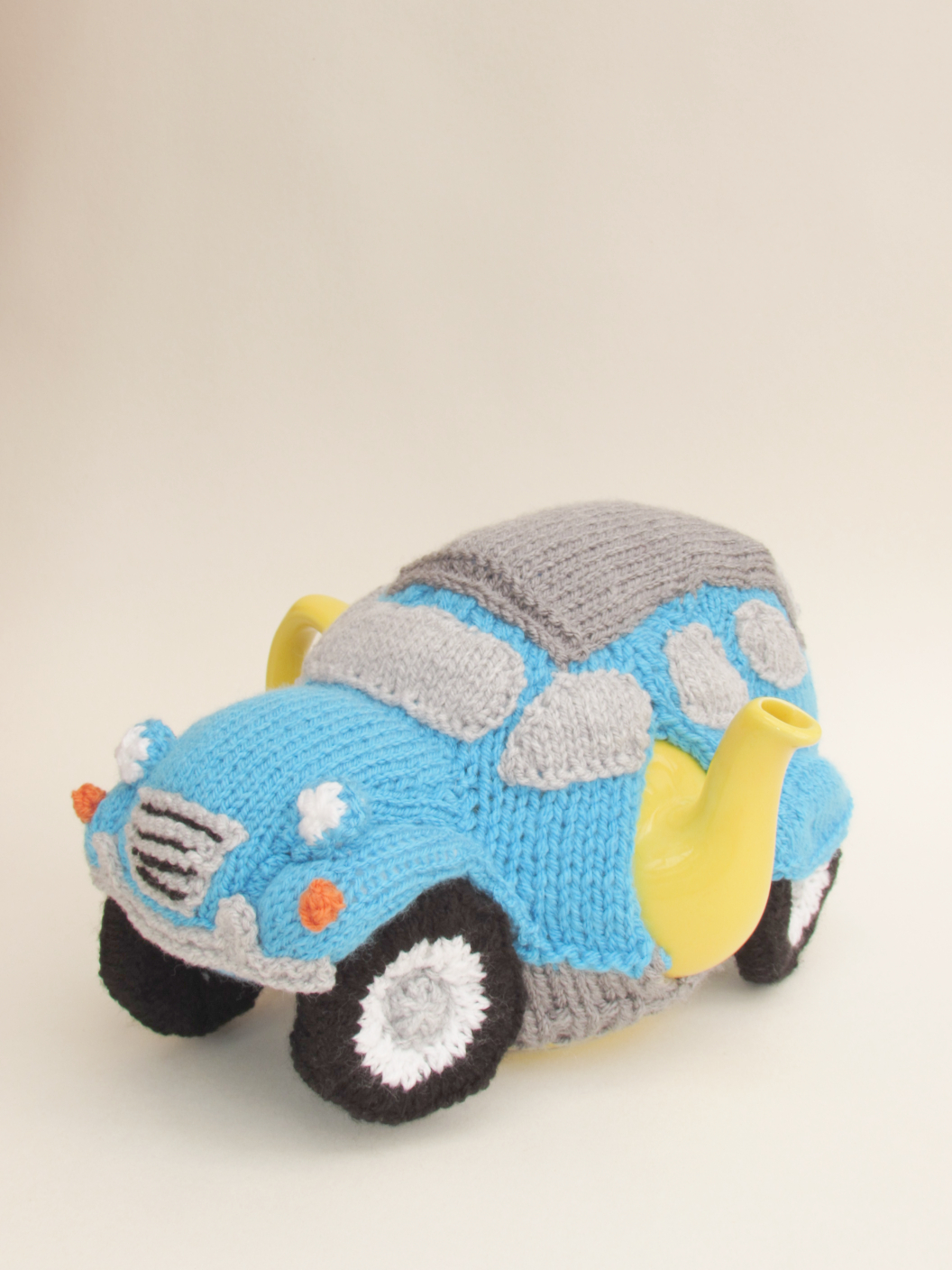 Citroen 2CV  knitting pattern