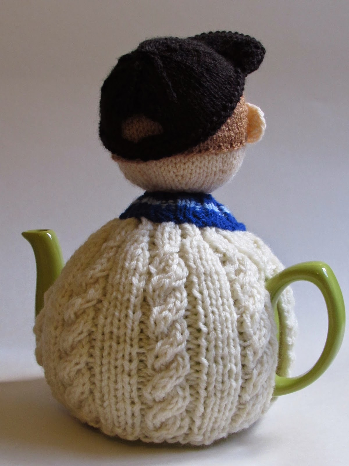 Cricketer tea cosy back view