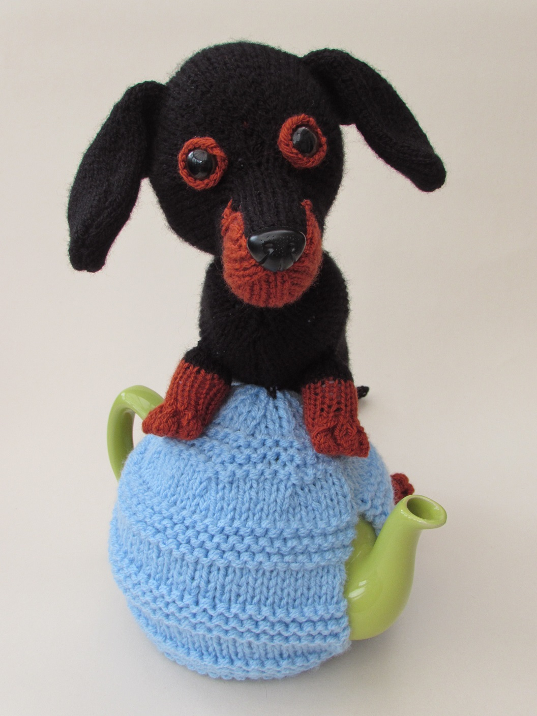 Dachshund Tea Cosy Knitting Pattern