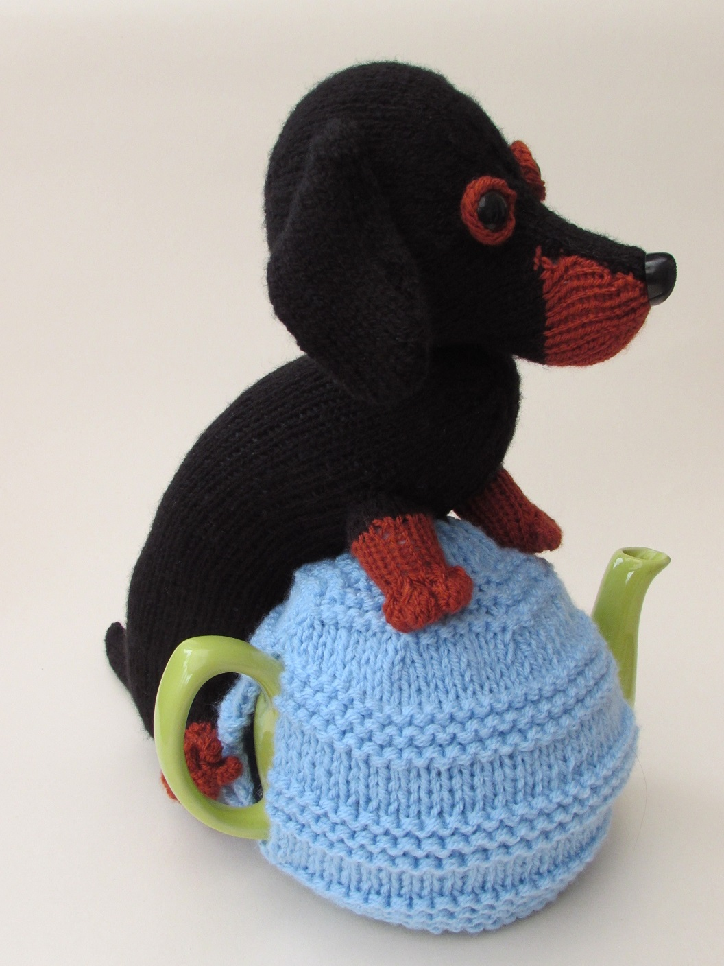 Dachshund tea cosy knitting pattern side view bankloansurffo Gallery