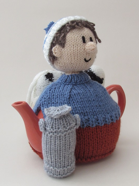 Knitting Pattern For Cow Tea Cosy : Dairy Farmer tea cosy knitting pattern