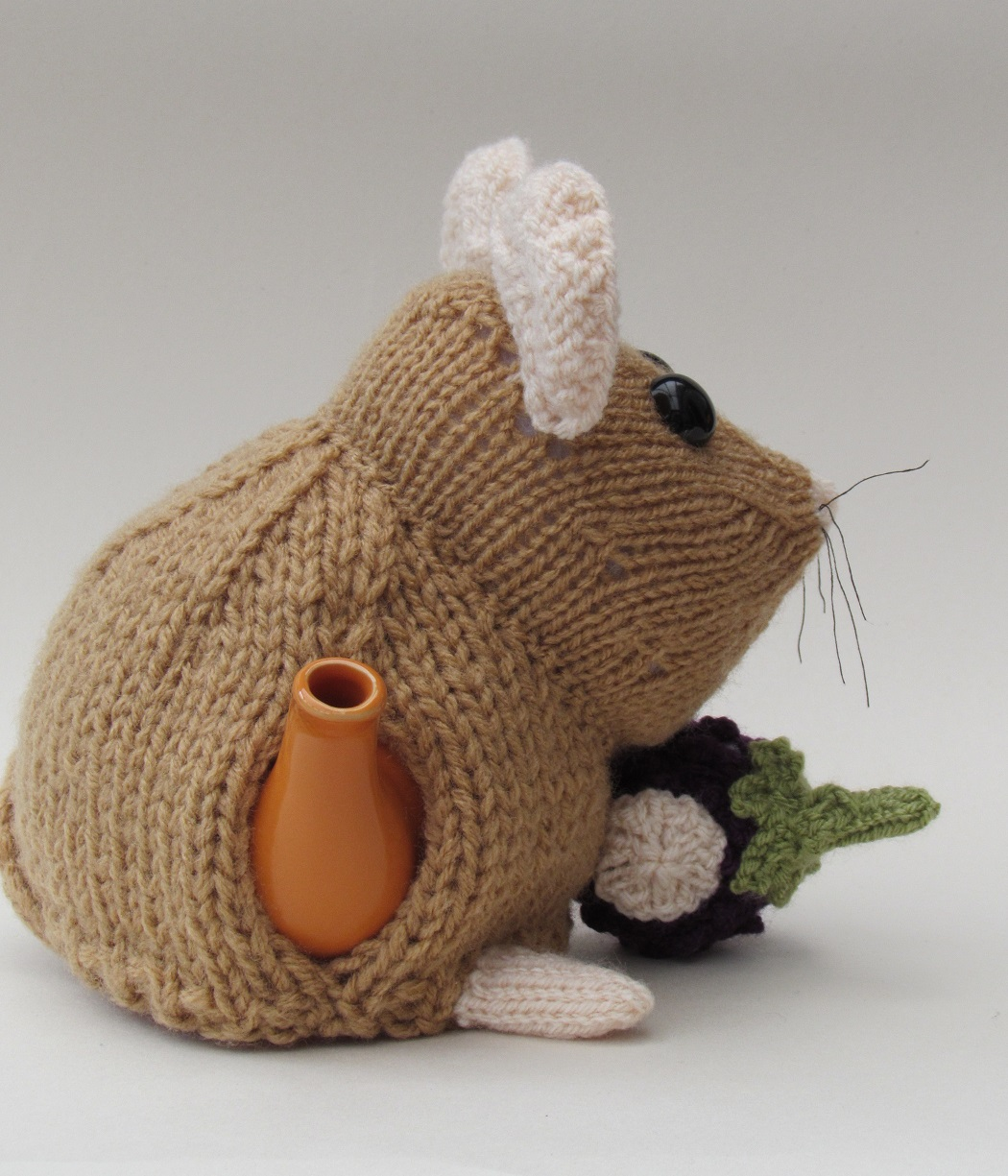 Knitted Teapot Cosy Patterns : Dormouse tea cosy knitting pattern