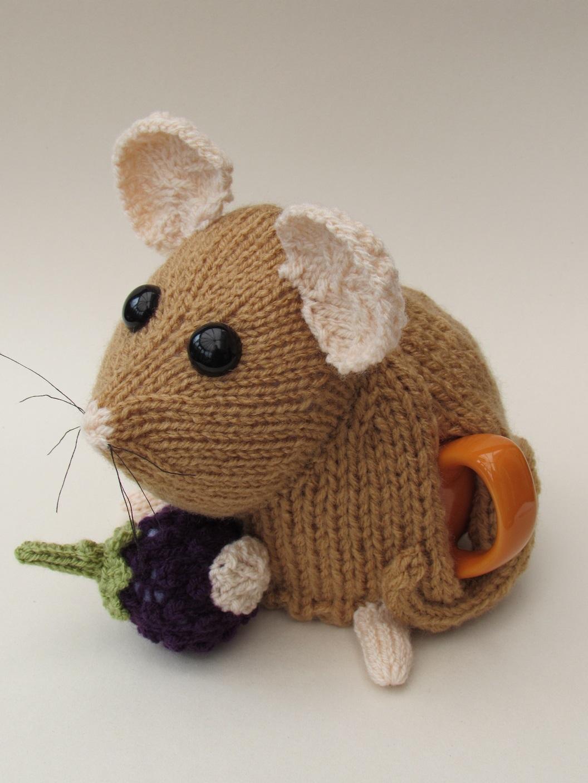 dormouse tea cosy knitting pattern