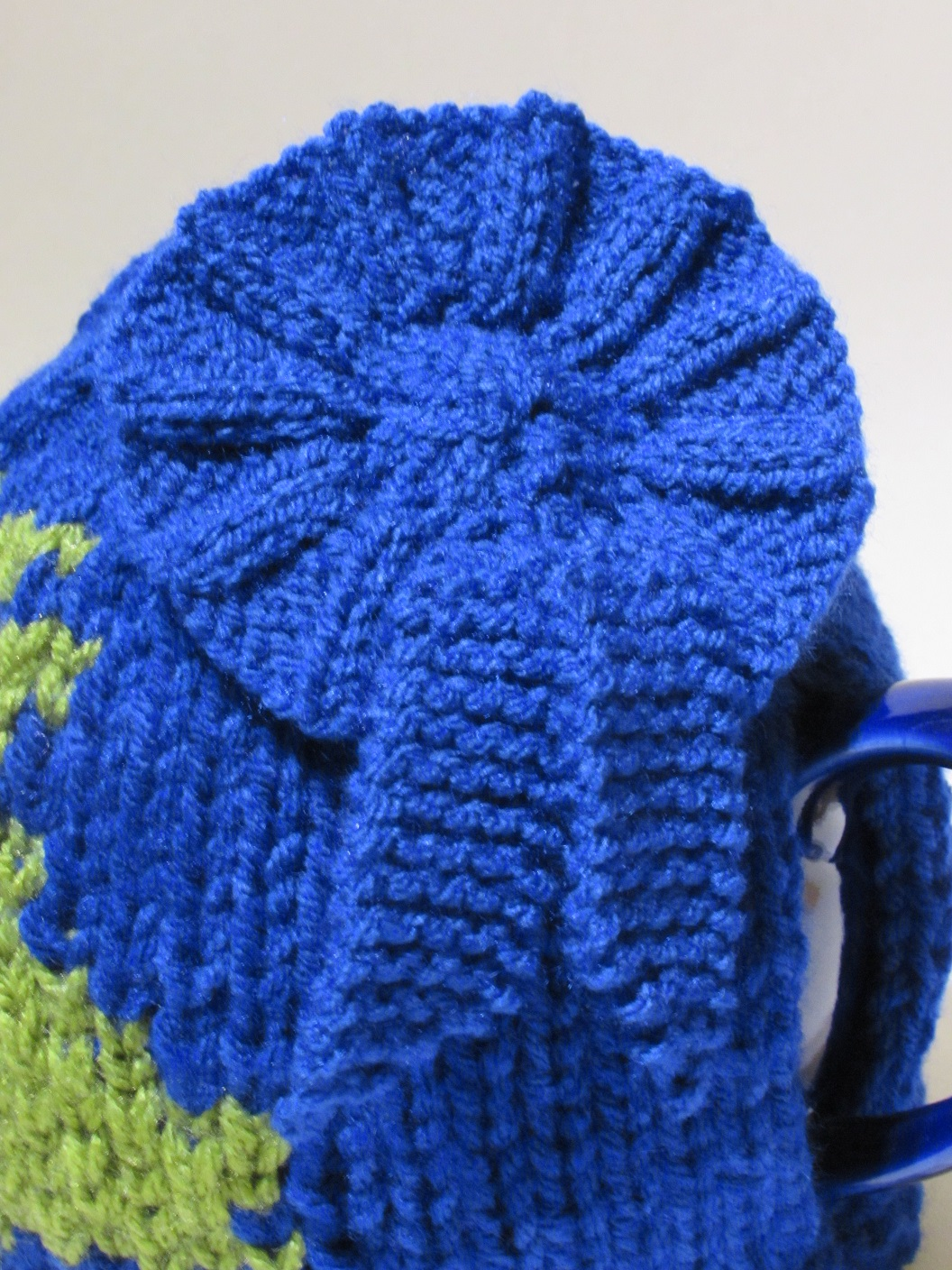 Political Election tea cosy knitting pattern