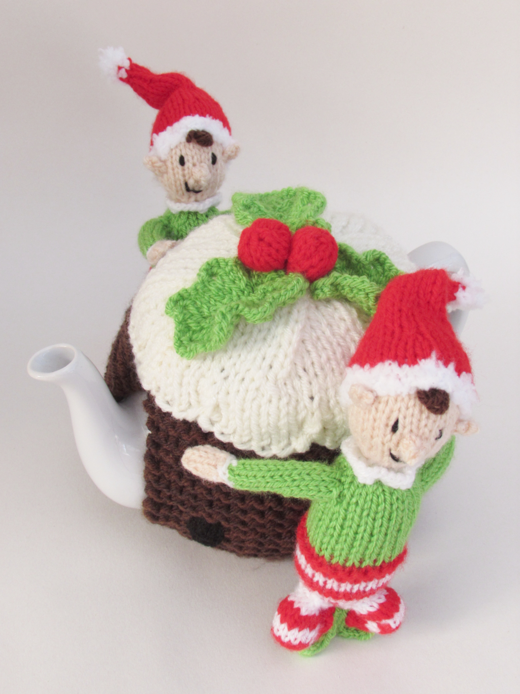 Elves and Christmas Pudding tea cosy