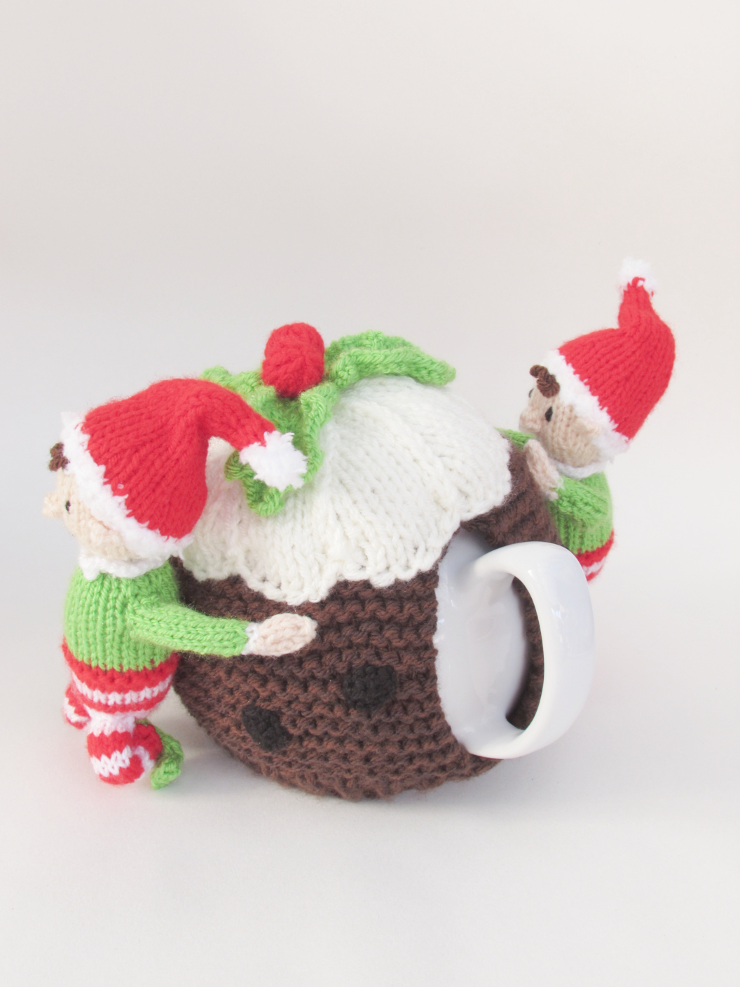 Elves and Christmas Pudding knitting pattern
