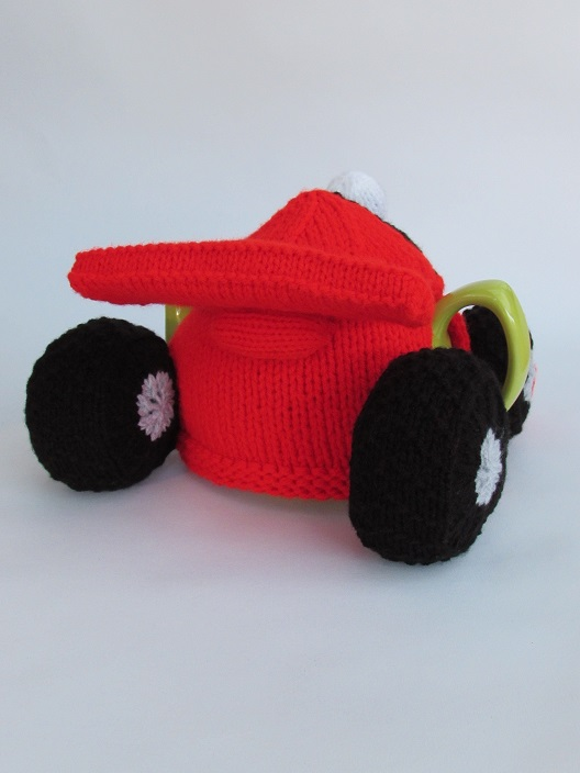 Formula One Racing Car Tea Cosy Knitting Pattern