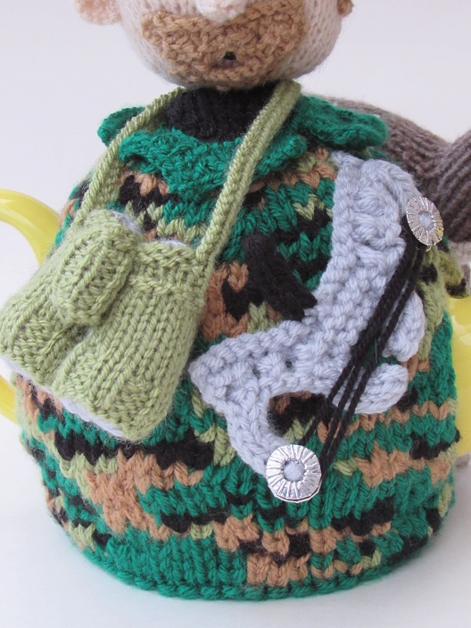 Fallow Deer Hunter Tea Cosy knitting pattern