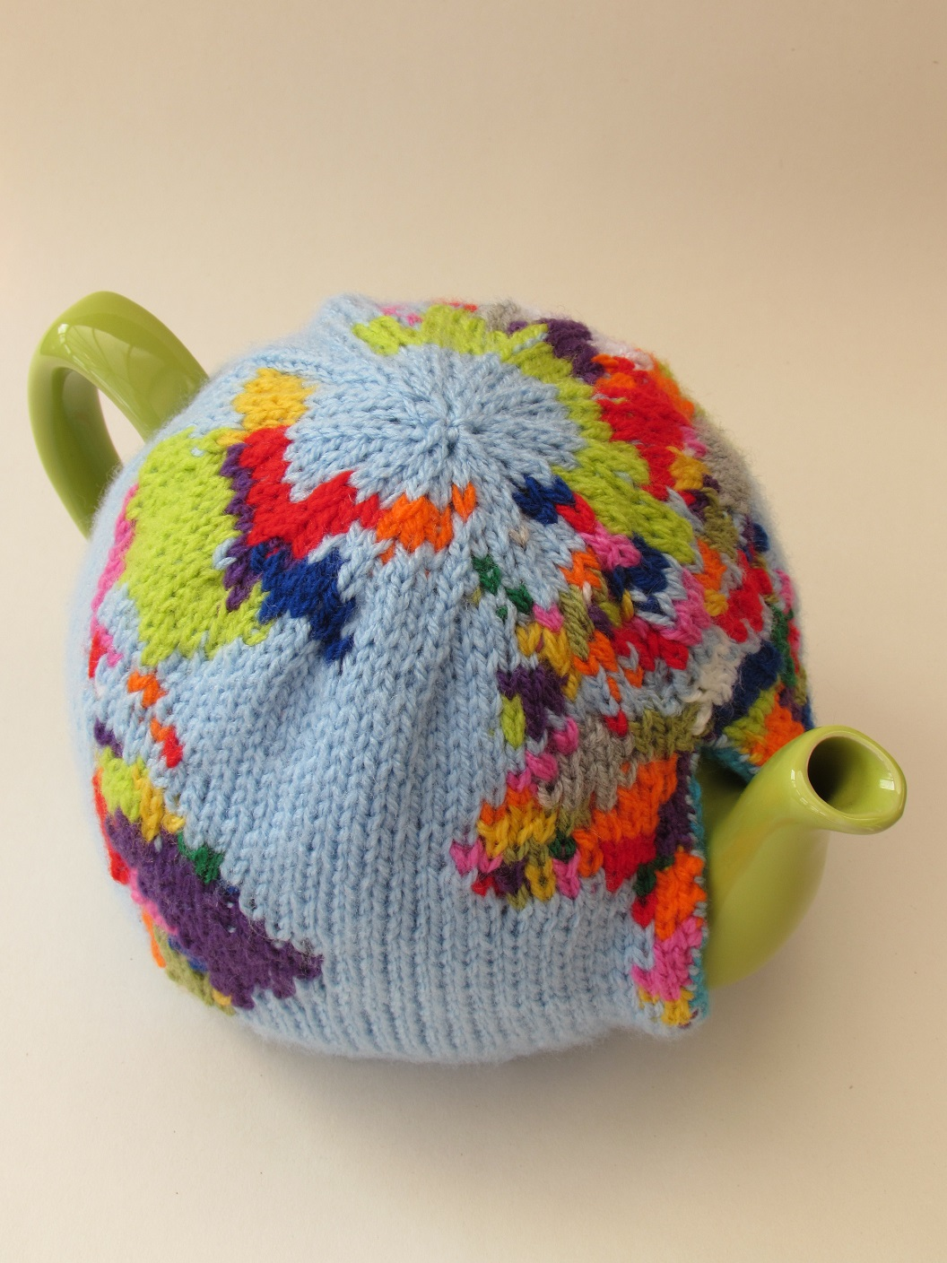 Globe Tea Cosy Knitting Pattern