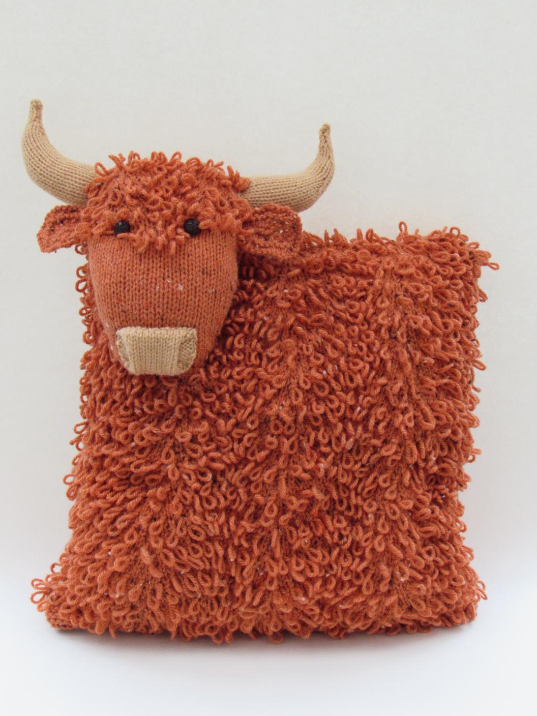 Highland Fling Heilan Coo Cushion Knitting Pattern