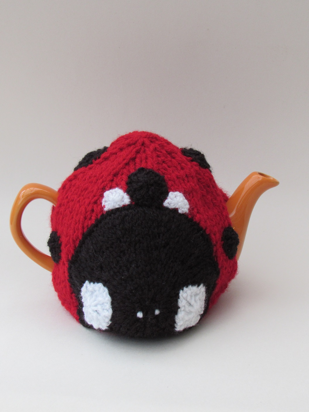 Ladybird knitting pattern