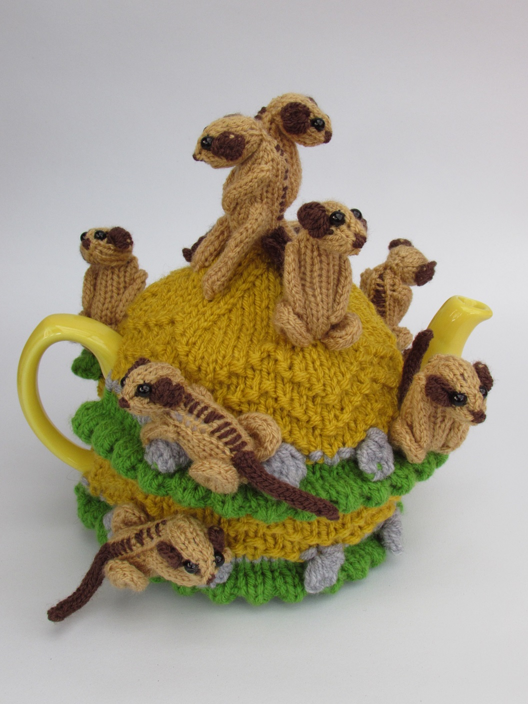 Tea Cosy Folk Tea cosy knitting patterns and hand knitted ...