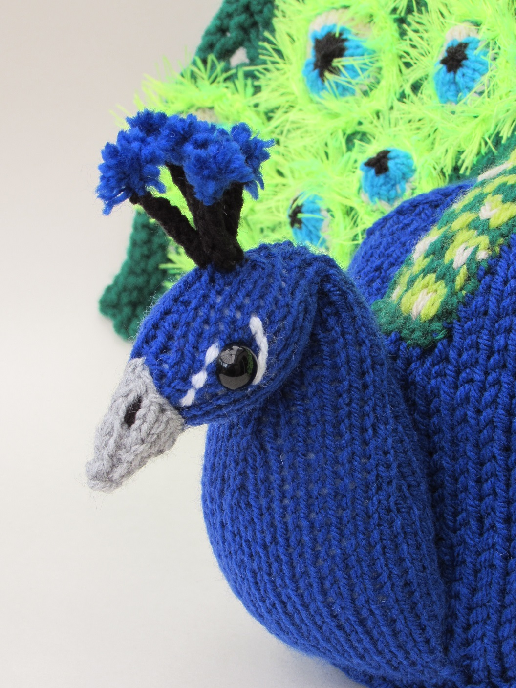 Peacock knitting pattern