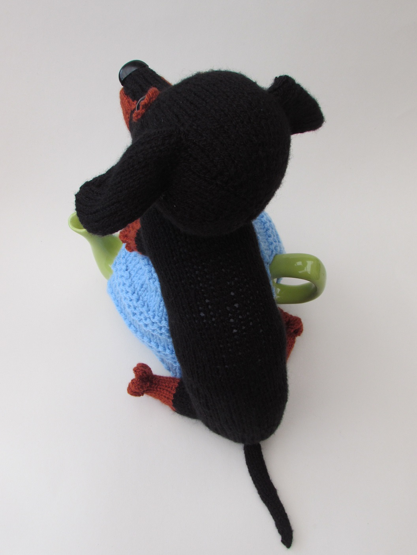 Dachshund tea cosy knitting pattern
