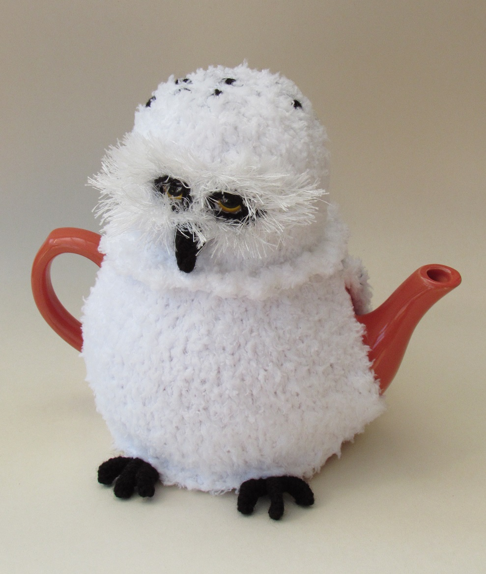 Christmas tea cosy knitting patterns to knit your own tea cosy for snowy owl tea cosy bankloansurffo Choice Image