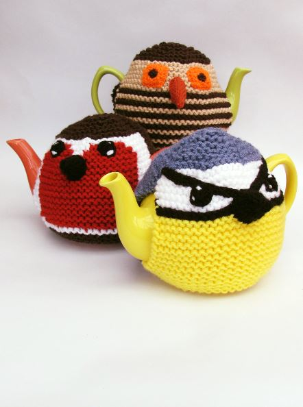 Three Birds tea cosy