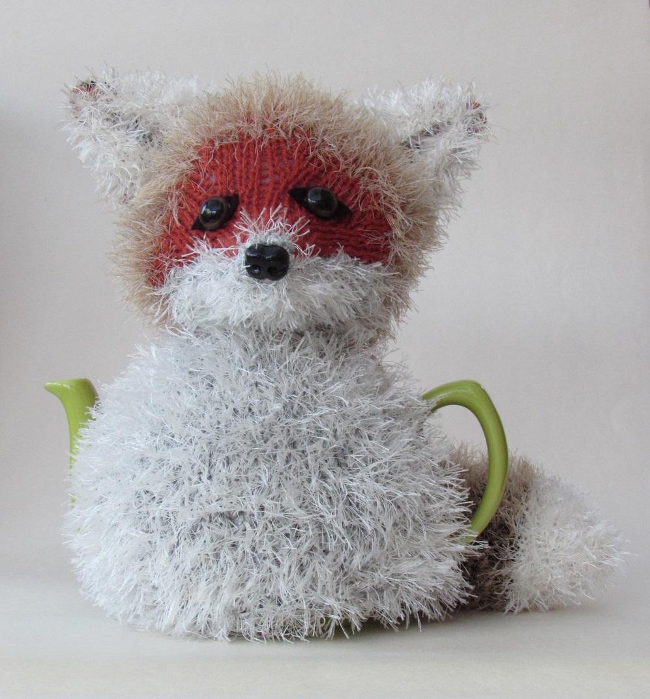 Small Dog Knitting Patterns : Animal and Bird Tea Cosy and Knitting Patterns